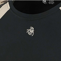 Embroidered Signature Buck logo on front