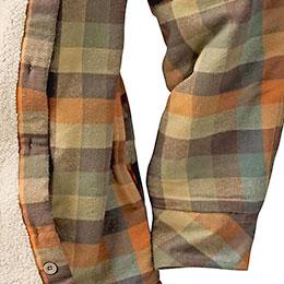 Side seam handwarming pockets